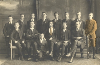 SMB Scholarship Winners 1915-6. (Cat. No. 0419)