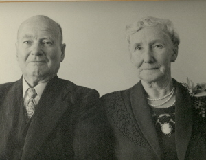 Albert and Grace Steane (Cat.No.5307)