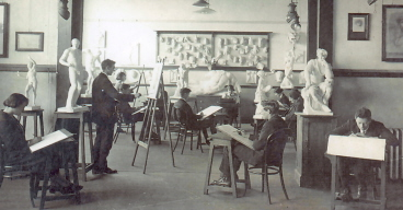 SMB Technical Art School Students Draw from the Antique