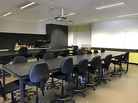 SMB_S016_Classroom