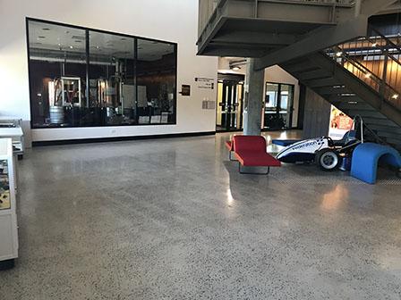 MTH_Y015_Foyer
