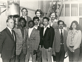 The BCAE 1974 Graduate Diploma Class of Malting and Brewing. (Cat.No.6593)