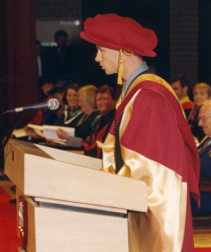 Steve Moneghetti receives his Honorary Doctorate, 2001