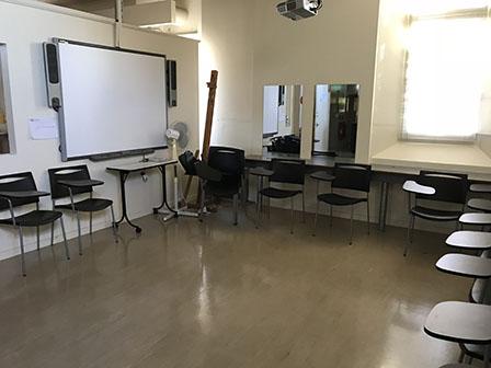 SMB_P006_Classroom