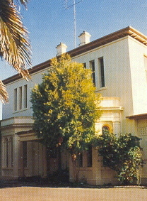 M9063-Beaufort-house